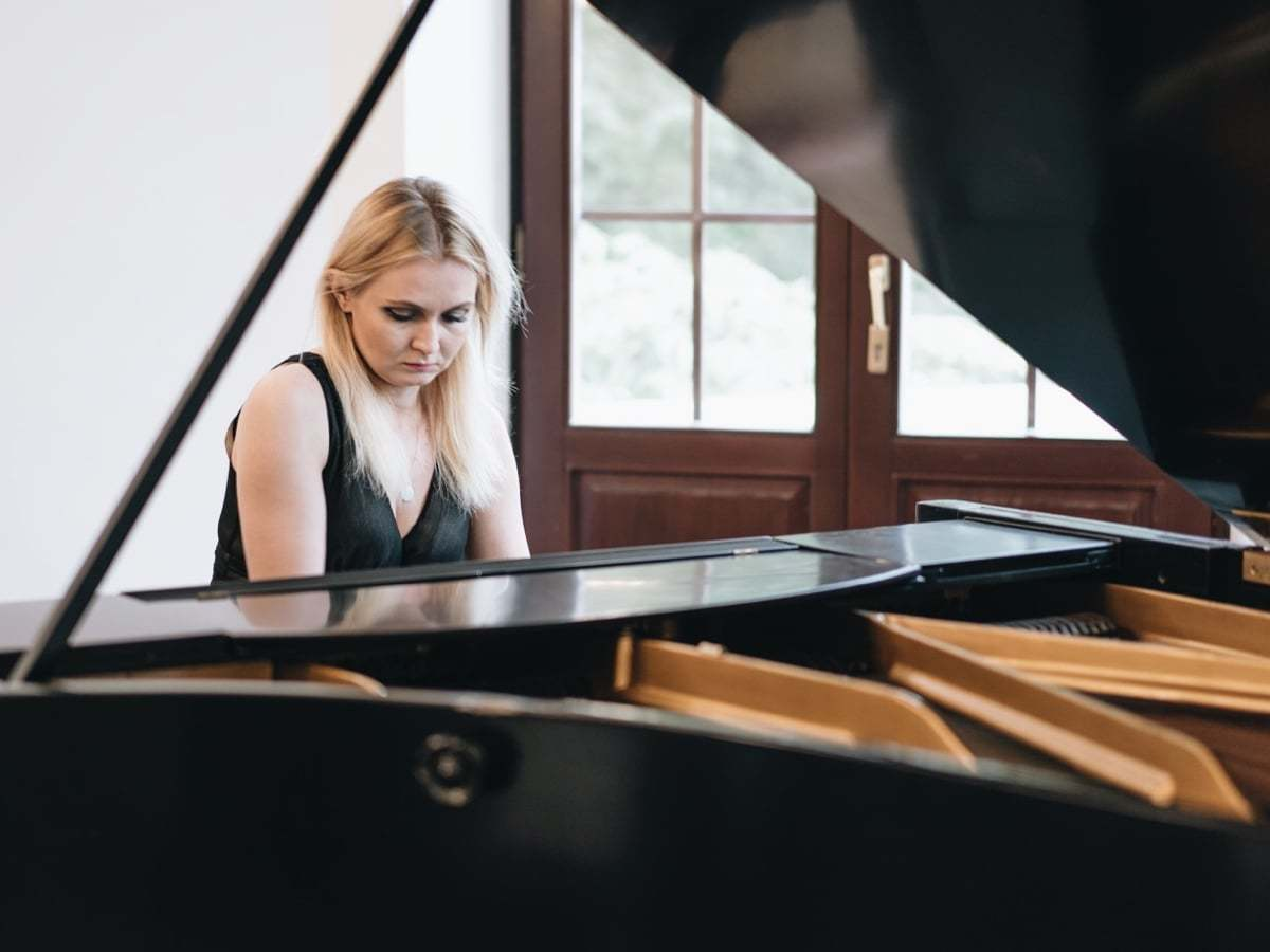 Magda Lewandowska - New Year Concert Crystal Sounds